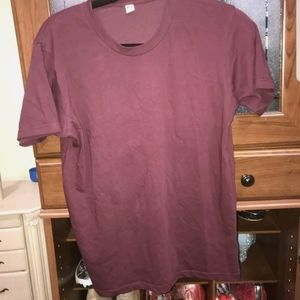 Uniqlo size XS burgundy t-shirt.
